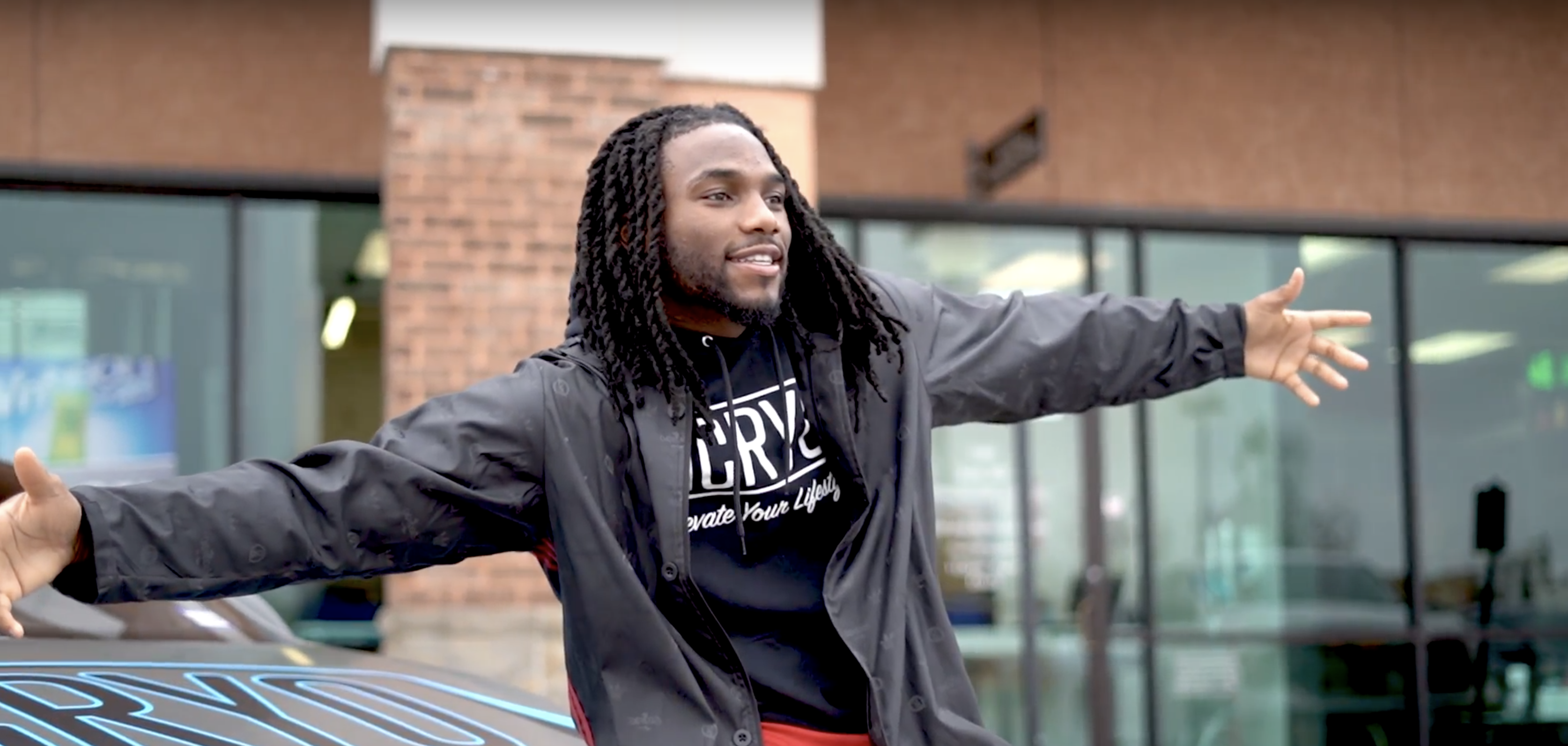 Behind the scenes with Jaylon Smith
